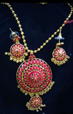 Red stone embellished Japi Necklace Set for Women(#1558)-gallery-0