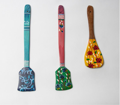 Vistosa Hand Painted Wooden spatula Wall Hangings -Set of 3(#2318)-gallery-0