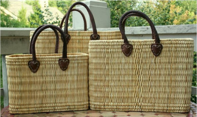 Large Natural Straw Handbag with a colored handle(#585)-gallery-0